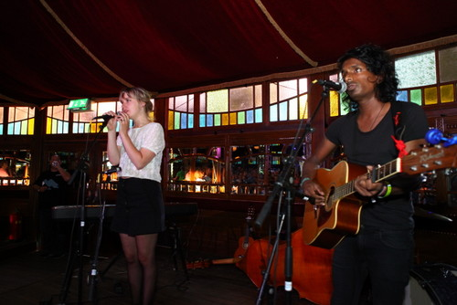 Duo The Dearest Dear in De Spiegeltent